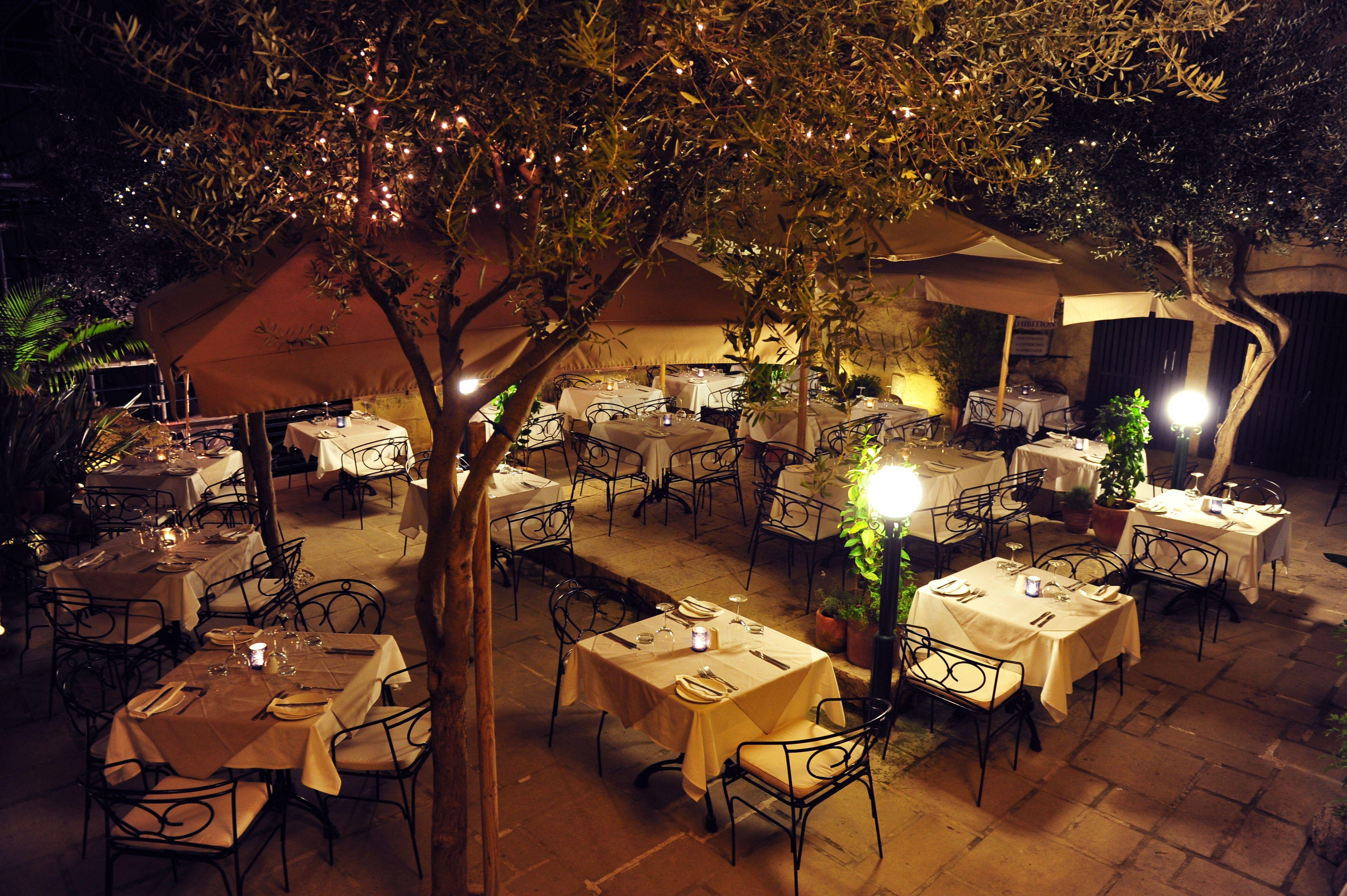 Juvian S Restaurant Hours