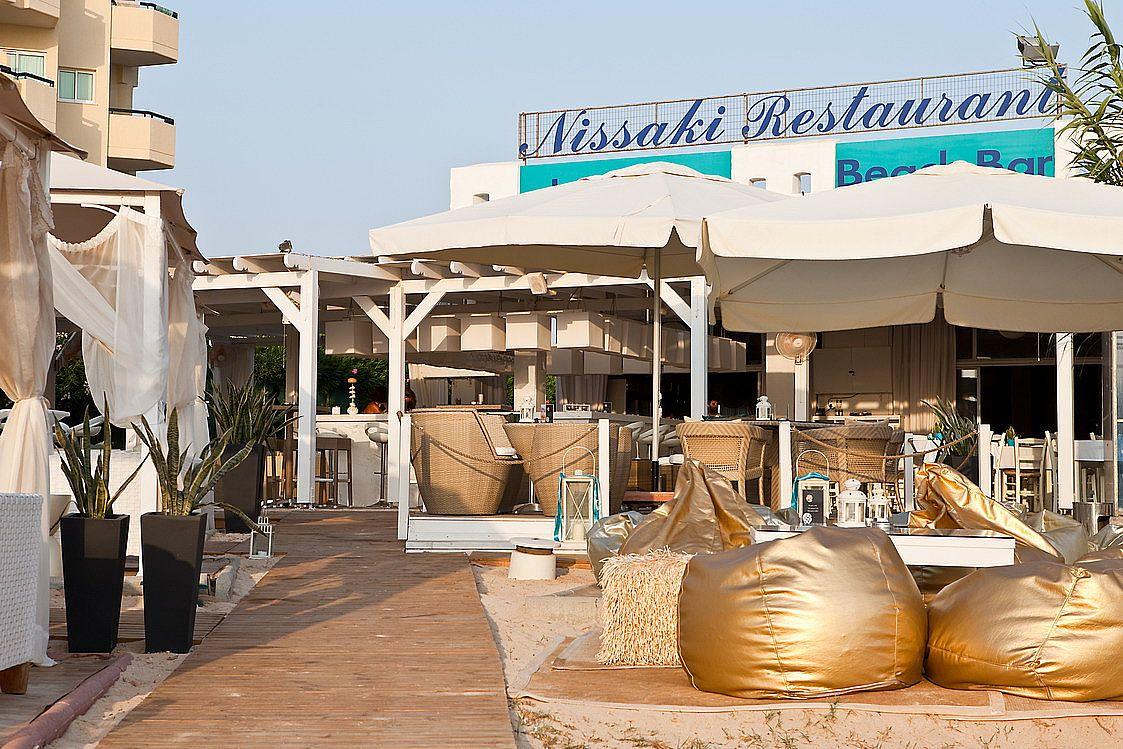 Nissaki Lounge Beach Bar & Restaurant